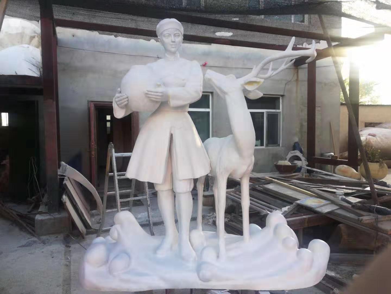 达斡尔族主题雕塑定制3